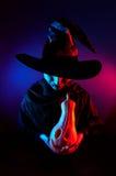 Nikczemna czarownica z dyniowym lampionem Zdjęcie Royalty Free