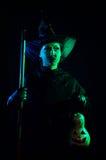 Nikczemna czarownica z dyniowym lampionem Obraz Stock