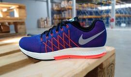 Nike που τρέχει τα πάνινα παπούτσια Στοκ Φωτογραφία