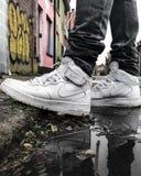 Nike Air in het stedelijke milieu van Belgi? stock afbeelding