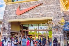 Nike ist eine gehandelte Kleidung des Majors öffentlich, eine Fußbekleidung, eine Sportkleidung und ein Ausrüstungslieferant, der Stockbild