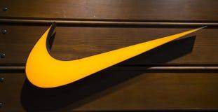 Nike Logo am Shanghai-Ausgang-Einkaufen stockfoto