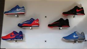 Nike przedstawiał nowych tenisowych buty inkasowych podczas us open 2014 przy Billie Cajgowego królewiątka tenisa Krajowym centru Fotografia Royalty Free
