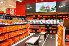 Nike Section bij Sporteninstantie Sportieve Goederen Stock Fotografie