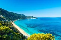 贴水Nikitas海滩在莱夫卡斯州海岛,希腊-爱奥尼亚人海岛 图库摄影