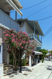 贴水NIKITAS,莱夫卡斯州,希腊2014年7月16日:传统房子在贴水Nikitas,莱夫卡斯州,希腊村庄  库存照片