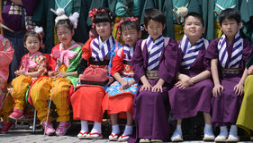 NIKKO, GIAPPONE - 16 APRILE: La gente di Nikko celebra il festiva di Yayoi Fotografie Stock