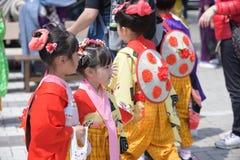 NIKKO, JAPÃO - 16 DE ABRIL: Os povos de Nikko comemoram o festiva de Yayoi Imagens de Stock Royalty Free