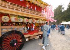 NIKKO, JAPÓN - 16 DE ABRIL: La población de Nikko celebra el festiva de Yayoi Imagenes de archivo