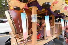 NIKKO JAPAN - APRIL 16: Folket av Nikko firar den Yayoi festivaen Fotografering för Bildbyråer