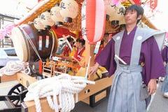 NIKKO JAPAN - APRIL 16: Folket av Nikko firar den Yayoi festivaen Royaltyfri Foto