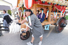NIKKO JAPAN - APRIL 16: Folket av Nikko firar den Yayoi festivaen Royaltyfri Fotografi