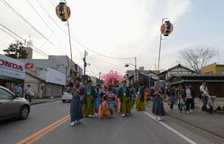 NIKKO, JAPAN - 16. APRIL: Leute von Nikko feiern Yayoi-festiva Lizenzfreies Stockbild