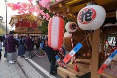 NIKKO, JAPAN - 16. APRIL: Leute von Nikko feiern Yayoi-festiva Lizenzfreie Stockfotos