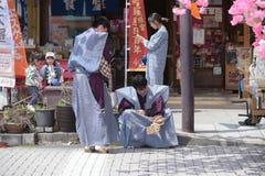 NIKKO, JAPAN - 16. APRIL: Leute von Nikko feiern Yayoi-festiva Lizenzfreie Stockfotografie