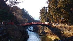 Nikkobrug op een rivier in het midden van de wildernis, Japan royalty-vrije stock foto