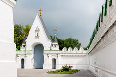 Nikolo-Perevinskiy Monastery wall and entrance, Moscow Stock Photography