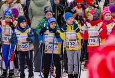 Nikolov Perevoz 2017年Russialoppet滑雪马拉松儿童` s种族 库存图片