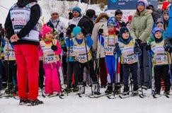 Nikolov Perevoz 2017年Russialoppet滑雪马拉松儿童` s种族 免版税库存图片