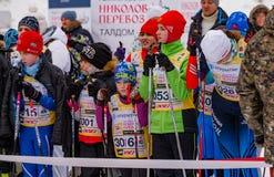 Nikolov Perevoz 2017年Russialoppet滑雪马拉松儿童` s种族 库存照片