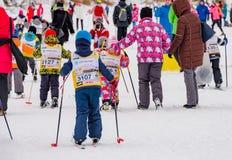 Nikolov Perevoz Russialoppet maratonu dzieci ` s 2017 narciarska rasa Obrazy Stock