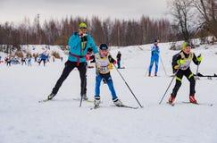 Nikolov Perevoz Russialoppet maratonu dzieci ` s 2017 narciarska rasa Fotografia Royalty Free