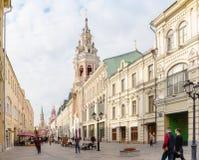 Nikolskaya街道看法在莫斯科,俄罗斯 免版税图库摄影