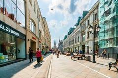 Nikolskaya gata av Moskva Arkivbild