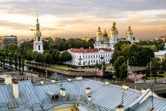 从Nikolsky大教堂的高度的看法日落的 库存图片