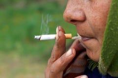 Nikotynowy nałóg zdjęcia royalty free