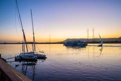 Nile River y barcos imagen de archivo