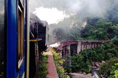 Nilgiri bergjärnväg royaltyfria foton