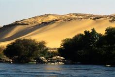 Nilo y el desierto foto de archivo