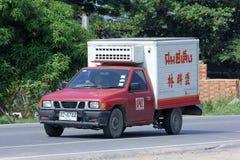 Nim ser den kalla lastbilen för seng Royaltyfria Foton