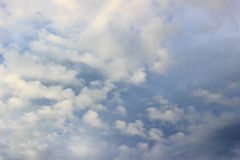 Nimbus καλύπτει τον ουρανό στοκ φωτογραφία