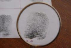 Nimmt von Prüfung Fingerabdrücke Stockfoto