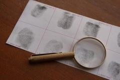 Nimmt von Prüfung Fingerabdrücke Stockfotos