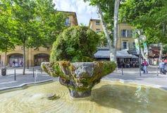 Nincekanon Fontain in Aix en Provence stock foto's