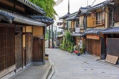 Ninen-zaka街道的,京都,日本美丽的老房子 库存图片