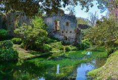 Ninfa庭院,风景庭院在奇斯泰尔纳迪拉蒂纳疆土,拉提纳省的,中央意大利 图库摄影
