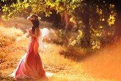 Ninfa encantadora en bosque Foto de archivo libre de regalías