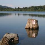 Ningún estacionamiento en el lago Imágenes de archivo libres de regalías