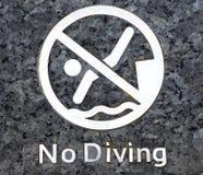 Ninguna advertencia del salto en la piscina Fotos de archivo libres de regalías