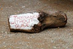 Ninguna muestra de la entrada en la madera Foto de archivo