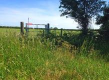 Ninguna muestra de la entrada en una puerta de la granja Foto de archivo libre de regalías