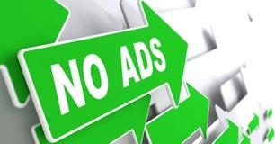 Ningunos anuncios en muestra verde de la flecha de la dirección Foto de archivo libre de regalías