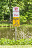 Ningunos artes de agua motorizados no prohibidos la muestra Imagen de archivo libre de regalías