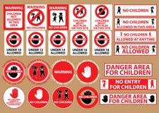 Ningunos niños permitieron la señal de peligro Imagenes de archivo