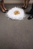 Ninho de ovos dourados Fotos de Stock