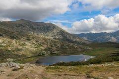 Nino Lake, GR20 Spur, Corse, Frankreich Lizenzfreie Stockfotos